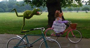 Kermit Piggie bike riding